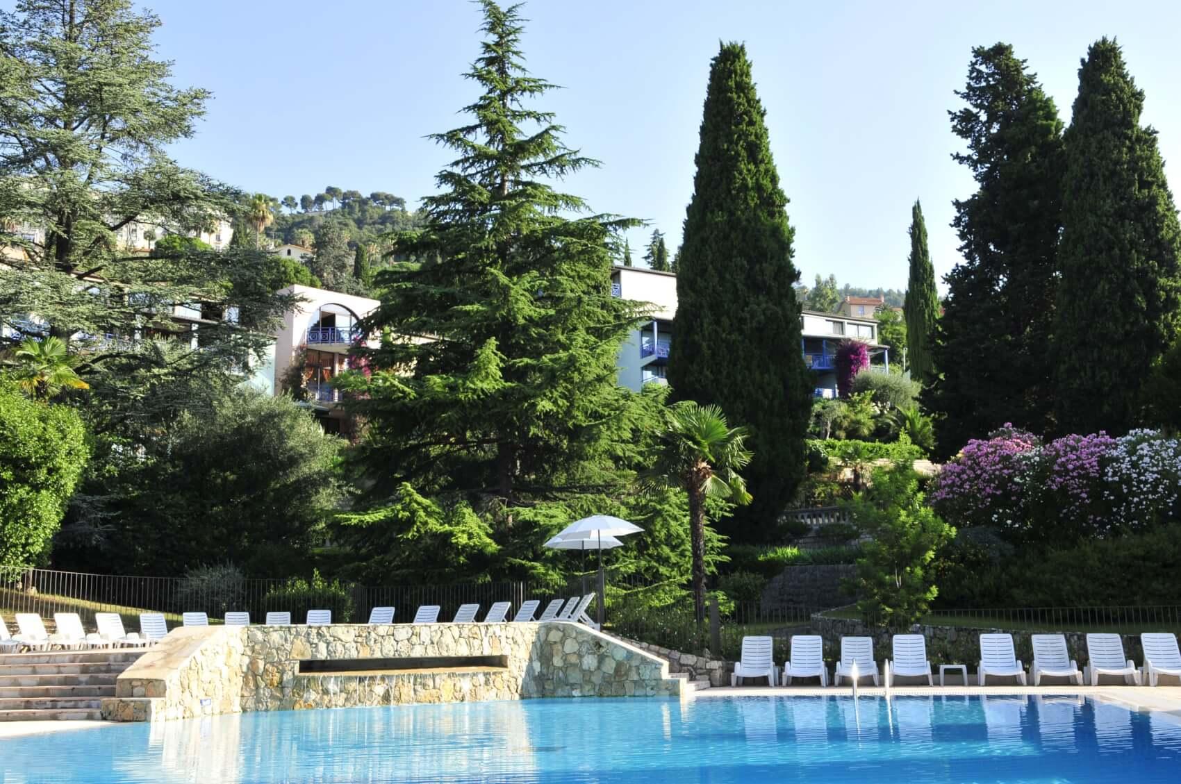 VOTRE HEBERGEMENT : Village Vacances 3* les Cèdres à Grasse