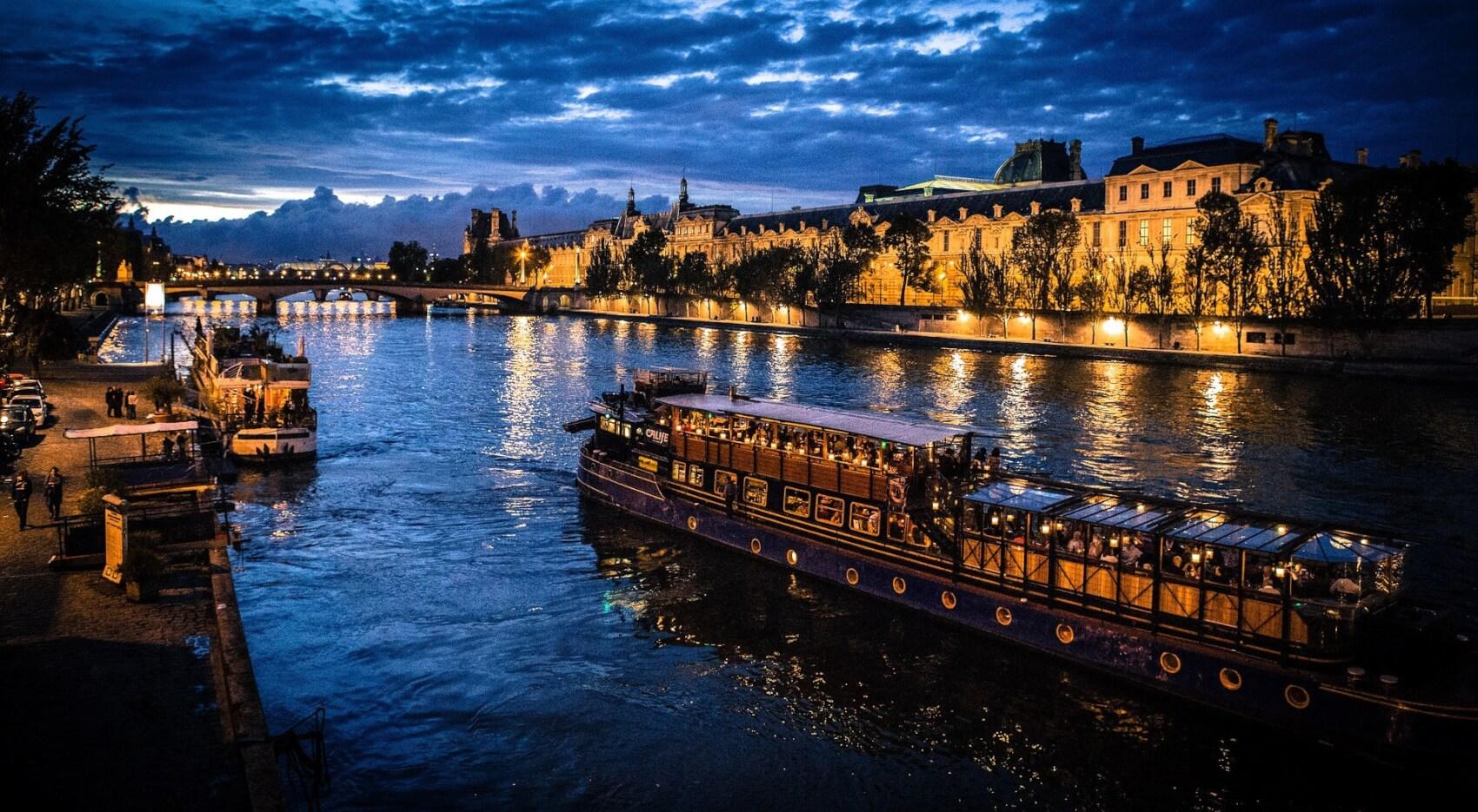 Dîner-croisière sur la Seine